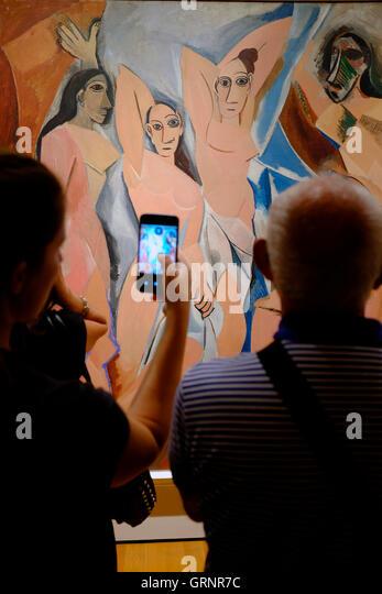 les demoiselles davignon Les demoiselles d'avignon was the painting that launched a whole new genre of  style and expression les demoiselles d'avignon (the young ladies of.