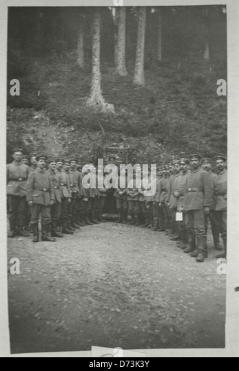 German Jewish soldiers including military doctor Max Scherk gathered for a World War I Yom Kippur service outdoors - Stock Image