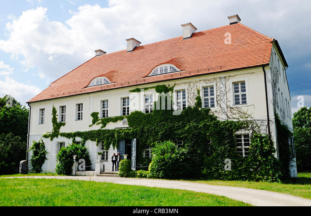 Gut Geisendorf manor, Culture Forum of the Lusatian lignite in the Welzow-Sued open pit, mining of brown coal by - Stock Image