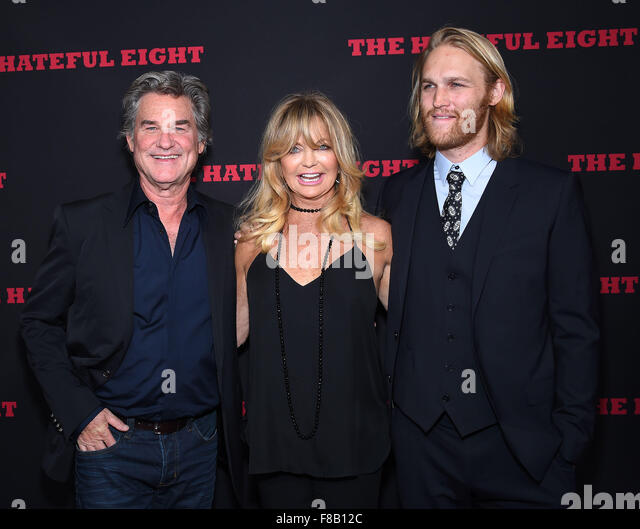 Hollywood, California, USA. 7th Dec, 2015. Kurt Russell, Goldie Hawn & Wyatt Russell arrives for the premiere - Stock Image
