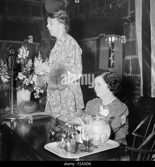 Eleanor Roosevelt speaking in Washington, D.C., 1936. (BSLOC_2015_2_247) - Stock-Bilder