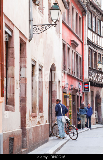 Alsace cycling stock photos alsace cycling stock images for Rue du miroir strasbourg