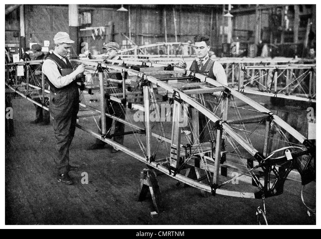 1918 Skeleton of American Aircraft fuselage body factory construction - Stock Image