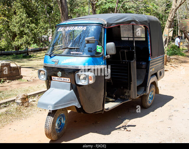 indian tuk tuk stock photos indian tuk tuk stock images alamy. Black Bedroom Furniture Sets. Home Design Ideas
