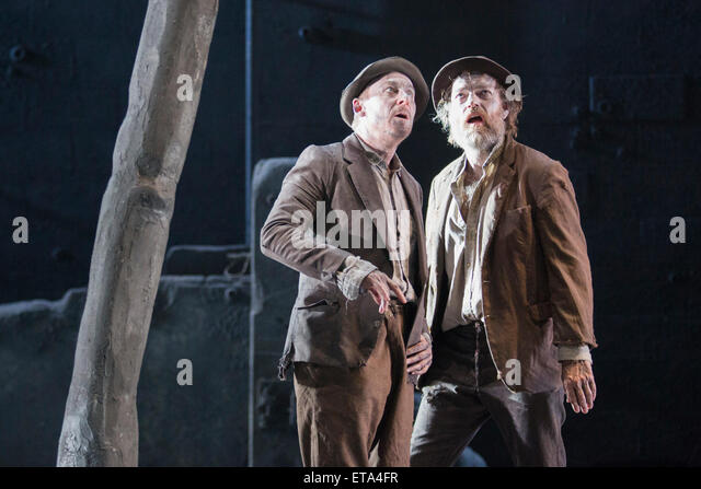 L-R: Richard Roxburgh as Estragon and Hugo Weaving as Vladimir. Actors Richard Roxburgh and Hugo Weaving star in - Stock Image