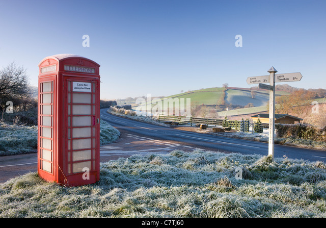 Traditional English telephone box in the frost at Stockleigh Pomeroy, Devon, England. December 2008 - Stock-Bilder