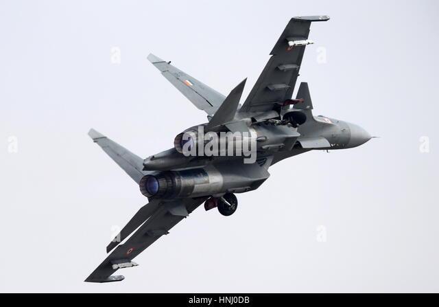 Bengaluru, India. 14th Feb, 2017. A Sukhoi Su-30MKI twinjet multirole air superiority fighter performs a demonstration - Stock-Bilder