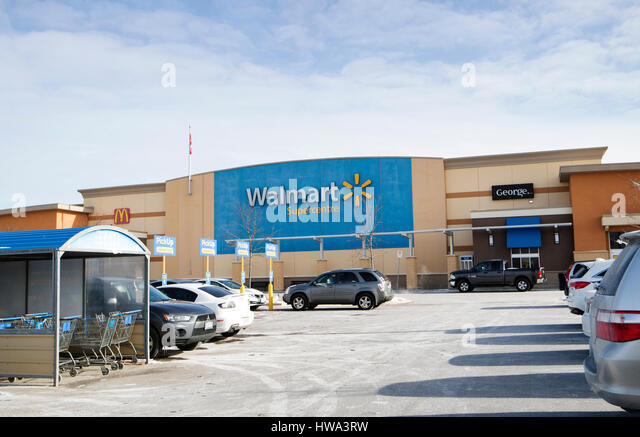 Is Walmart open today Yes, Walmart is open today. The only day of the year Walmart stores close is on Christmas. (see full list and qualifiers below) There are times when you need to go to the 4/5(14).