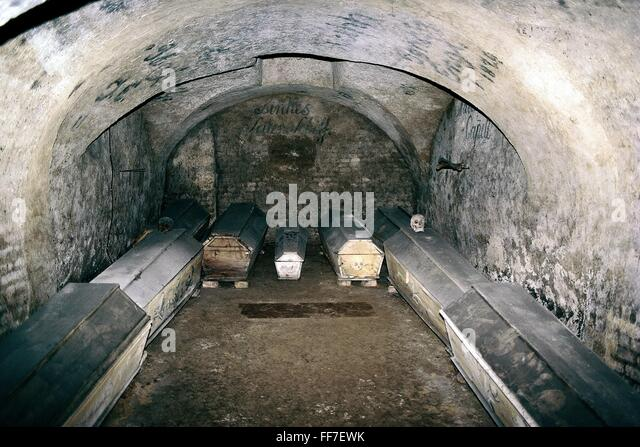 Burial Crypt Stock Photos Amp Burial Crypt Stock Images Alamy