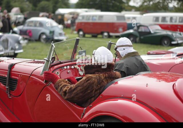 Vary dapper couple in their Fraser Nash BMW. - Stock-Bilder