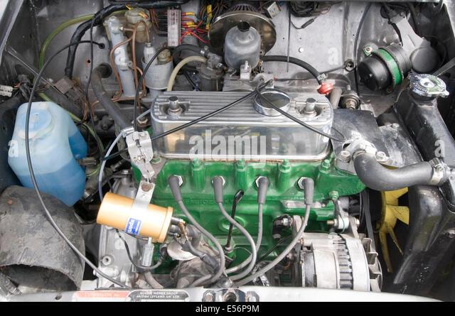 mini engine car cars internal combustion a series bmc leyland british classic motor maintenance simple ignition - Stock Image