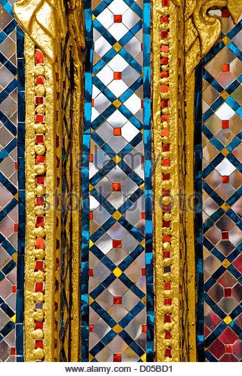 Architektur Detail im Wat Phra Kaeo, Bangkok, Thailand - Stock-Bilder
