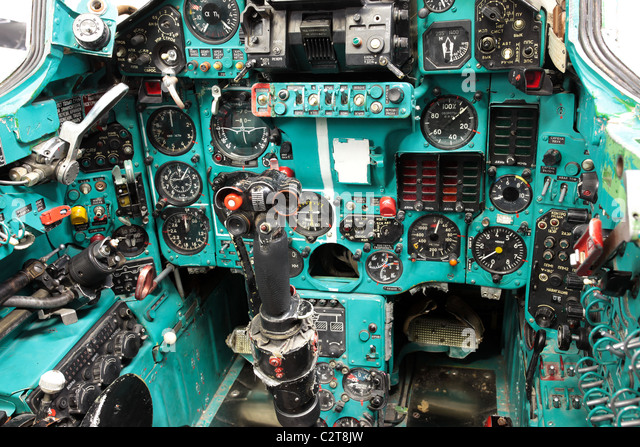 Aircraft cockpit, Mig-23 Flogger Soviet fighter jet. Captured by US Military for exploitation and training. - Stock-Bilder