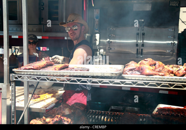 Drawn vector illustration of an chef pig making bbq stock vector - Ribfest Stock Photos Amp Ribfest Stock Images Alamy