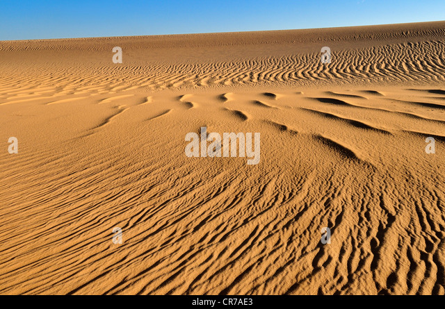 Algeria, Sahara, View of sand dunes - Stock Image