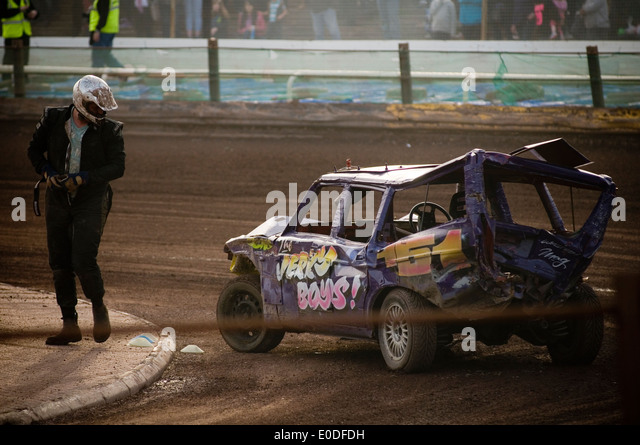 banger racing race races demolition derby derbies destruction old car cars smashed smash up smashing volvo estate - Stock Image