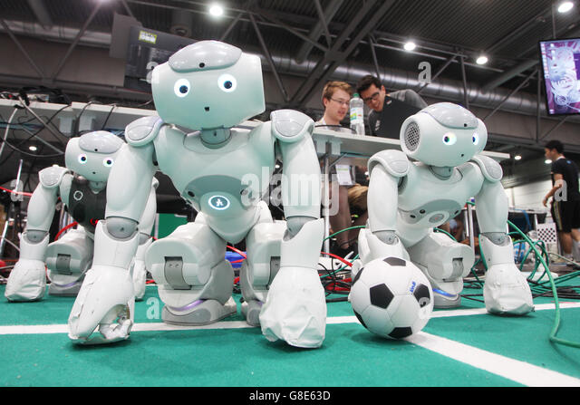 Leipzig, Germany. 29th June, 2016. Robots that can play soccer are ready for the match at the 20th RoboCup in a - Stock Image