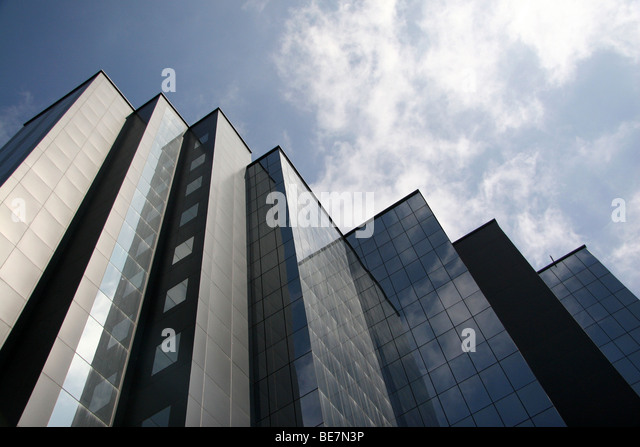 A modern glass fronted office facade in central Bangalore, India. - Stock-Bilder
