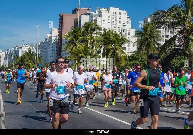 August 2015 half-marathon going through Copacabana, Rio de Janeiro, Brazil - Stock Image