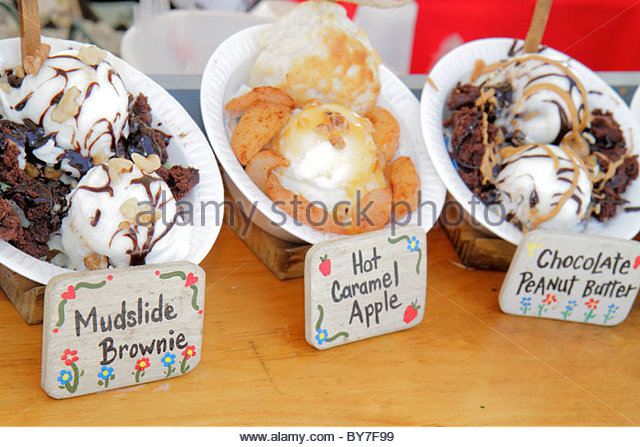 Pennsylvania Kutztown Kutztown Folk Festival Pennsylvania Dutch folklife food vendor ice cream sweet frozen dessert - Stock Image