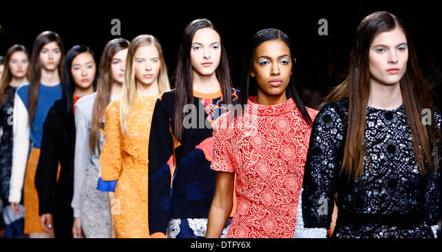 London, UK.. 17th Feb, 2014. Models present creations by Michael van der Ham during the 2014 Autumn/Winter London - Stock-Bilder
