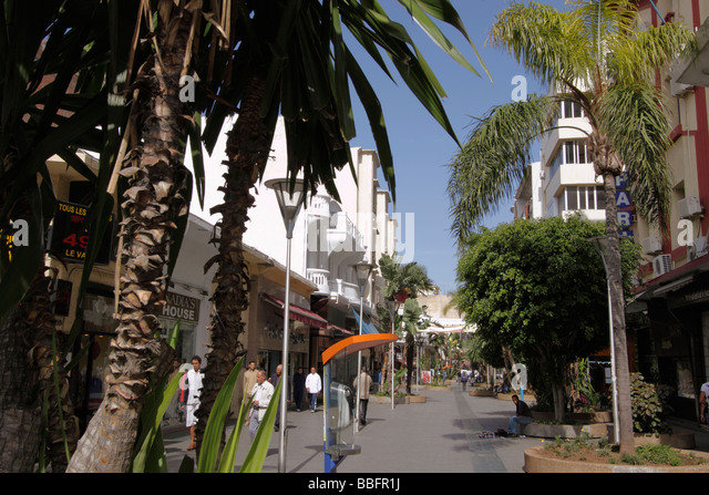 Africa, North Africa, Morocco, Casablanca, Modern Walking Shopping Mall - Stock Image