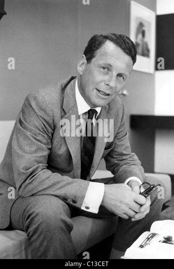 ogilvy ad agency Founded as hewitt, ogilvy, benson & mather in new york city in 1948 by the late david ogilvy, the company had ballooned into a global network that encompasses an array of brands including ogilvy public relations, its ogilvy & mather advertising agency and social@ogilvy.