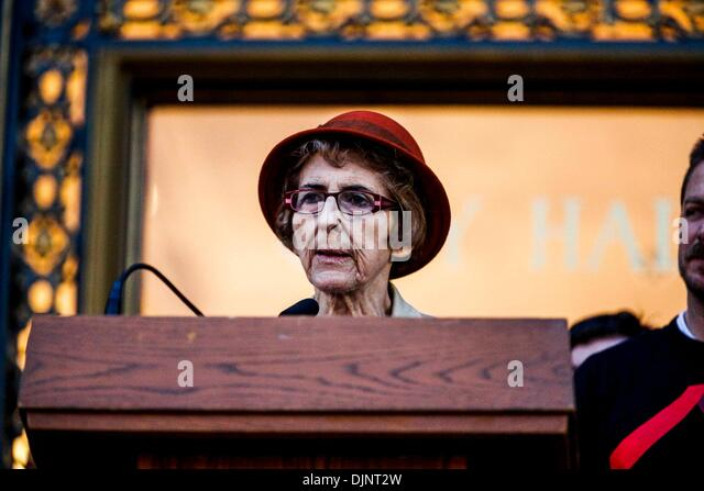 San Francisco, California, USA. 27th Nov, 2013. CAROL RUTH SILVER speaks during a candlelight vigil that was held - Stock Image