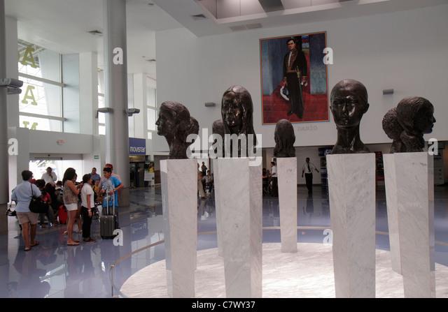 Nicaragua Managua Augusto C. Sandino Aeropuerto Internacional International Airport MGA terminal public art sculpture - Stock Image