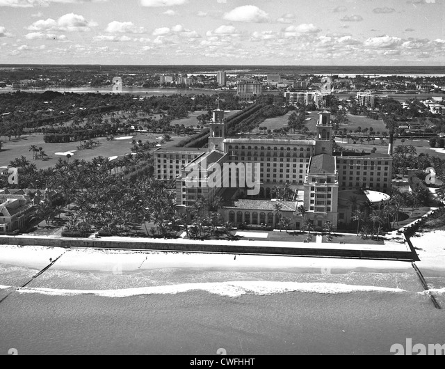 Aerial view of the famous Breakers Hotel, Palm Beach, Florida  with the city of West Palm Beach in the background, - Stock Image