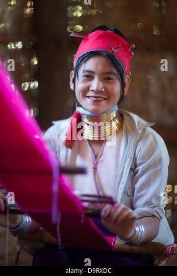 a Padaung 'long neck' lady, Inle Lake, Myanmar (Burma) - Stock-Bilder