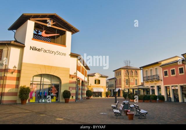 Db Shoe Store Santa Monica