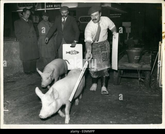Dec. 12, 1955 - Comedian Jimmy Edwards Exhibits His Pigs At The Smithfield Show. Photo shows Popular comedian Jimmy - Stock Image