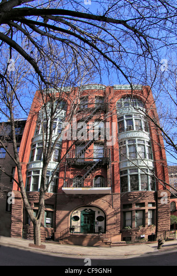 Brownstone Court Apartments