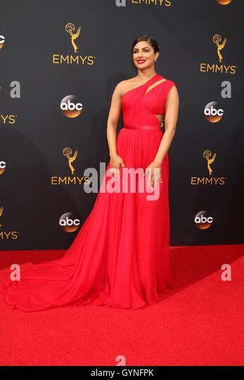 Los Angeles, CA, USA. 18th Sep, 2016. Priyanka Chopra at arrivals for The 68th Annual Primetime Emmy Awards 2016 - Stock-Bilder