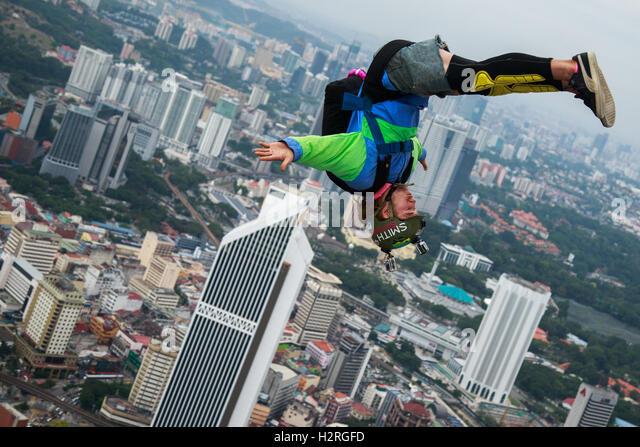 Kuala Lumpur, Malaysia. 1st Oct, 2016. KL Tower BASE Jump 2016 is an annual event of the Kuala Lumpur tower. © - Stock Image