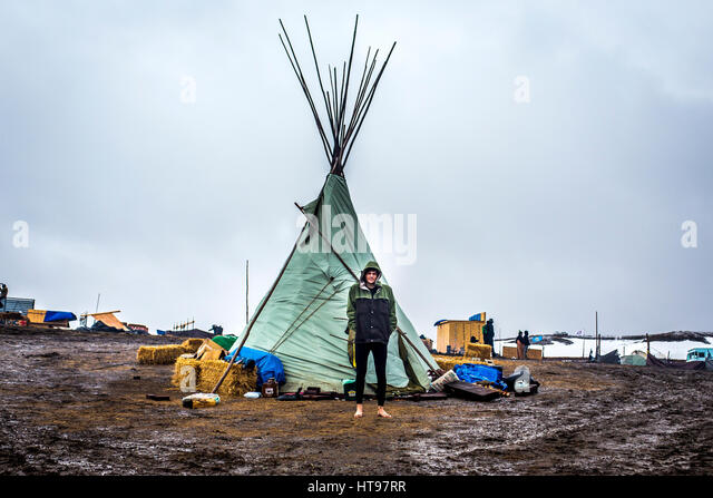 Cannonball, United States. 22nd Feb, 2017. Defiant NoDAPL water protectors faced-off with various law enforcement - Stock Image