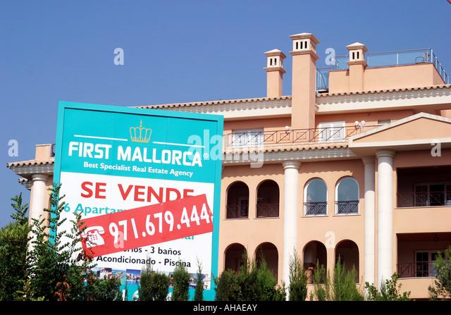 Villa spain sale stock photos villa spain sale stock for Real estate mallorca