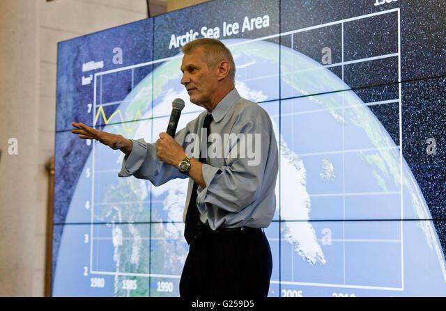 Washington DC, USA. 22nd Apr, 2016. NASA celebrates Earth day with the public in Union Station in Washington, DC - Stock Image