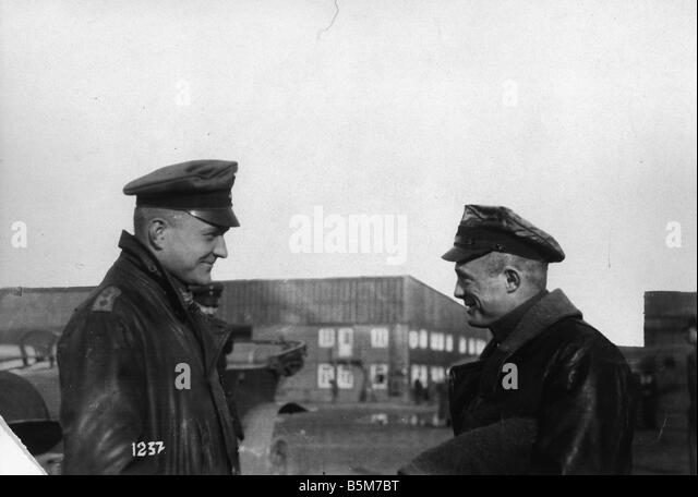 1 R40 F1916 1 E von Richthofen Red Baron and Lt Klein Richthofen Manfred Baron von Officer most successful German - Stock Image