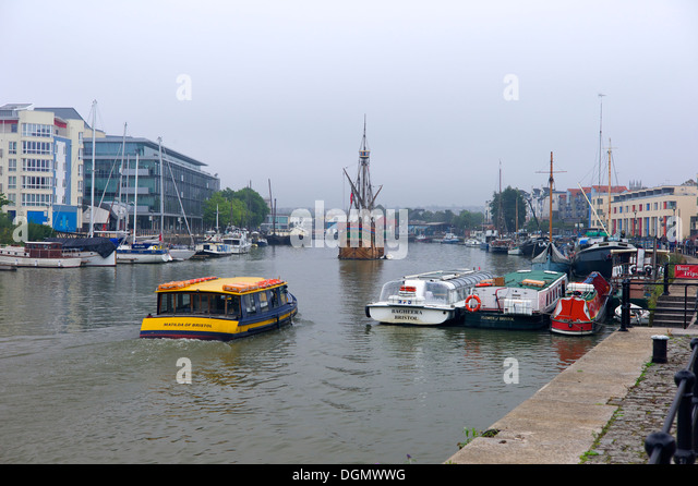 A ferry boat in the harbour, Bristol, UK - Stock-Bilder