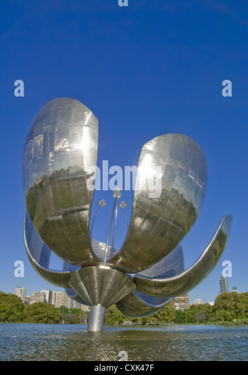 Floralis Generica sculpture, United Nations Park in the Rocoleta district, Buenos Aires, Argentina, South America - Stock Image