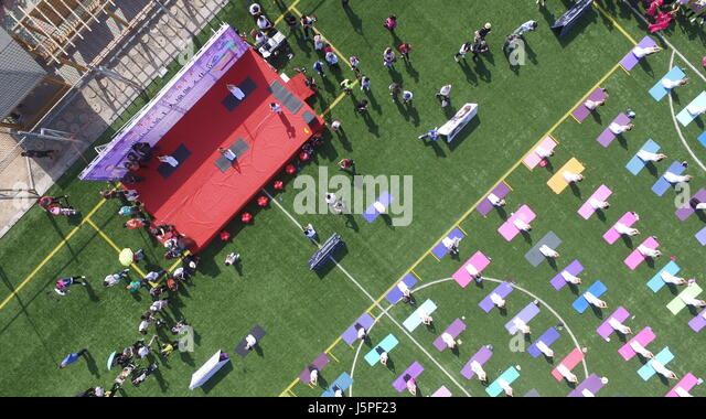 Binzhou, Binzhou, China. 14th May, 2017. Binzhou, CHINA-May 14 2017: (EDITORIAL USE ONLY. CHINA OUT).Thousands of - Stock Image