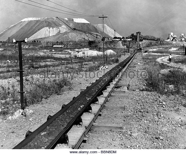 mining, mine, tin mine in Manono, Katanga province, Democratic Republic of the Congo, 1950s, central Africa, Zaire, - Stock-Bilder