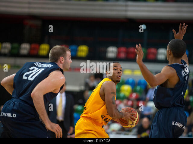 London, UK. 15th November 2013.   London Lions Lions Lions Rod Brown Guard [6] in action during the British Basketball - Stock Image