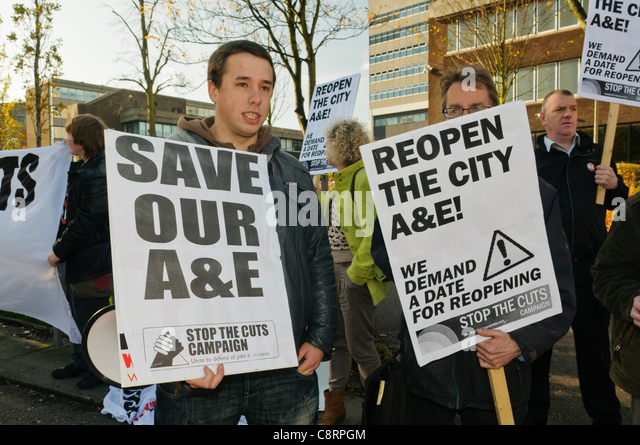 Protest against the closure of Belfast City Hospital's accident and emergency department due to staff shortages. - Stock Image