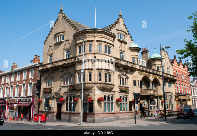 Liverpool Uk The Philharmonic Dining Rooms  May