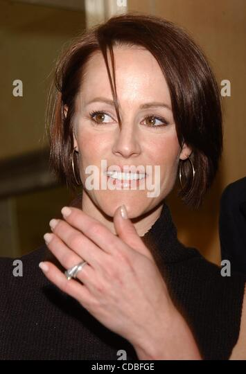 K30439AR.  SD05/06/2003..48TH  ANNUAL DRAMA DESK NOMINATION ANNOUNCED ST JOHNS BOUTIQUE , NYC..MARY STUART MASTERSON.(Credit - Stock Image