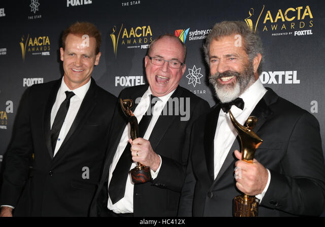 Sydney, Australia. 7 December 2016. Pictured, L-R: Paul Currie, Bruce Davey and Mel Gibson from the movie Hacksaw - Stock-Bilder