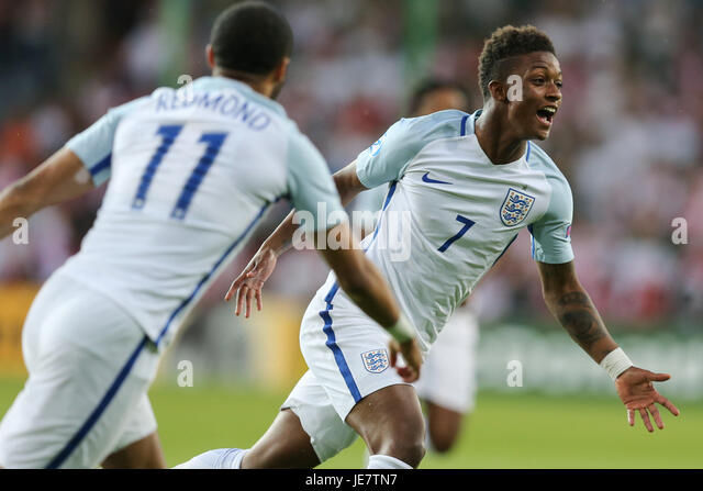 Kielce, Poland. 22nd June, 2017. Demarai Gray (ENG) with a goal celebration for 1-0 in the 6th minute; UEFA Under21 - Stock-Bilder